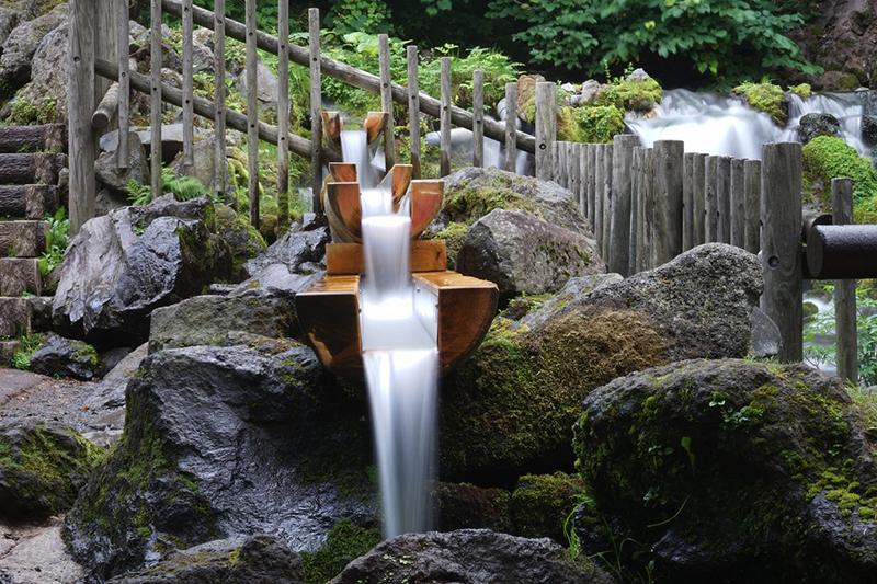 Fukidashi park spring water