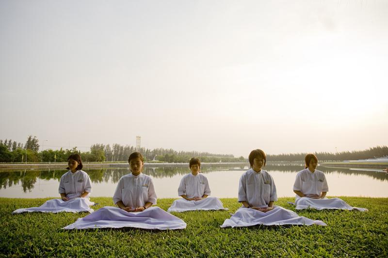 meditate-480129