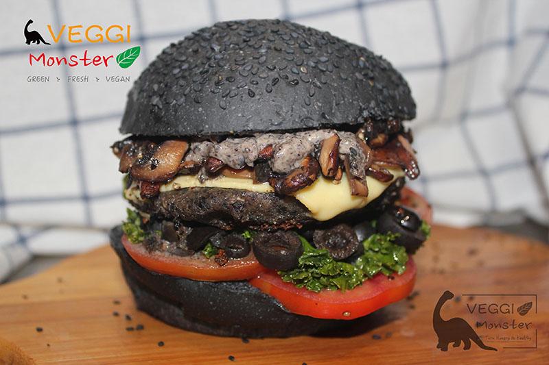 Burger in Black