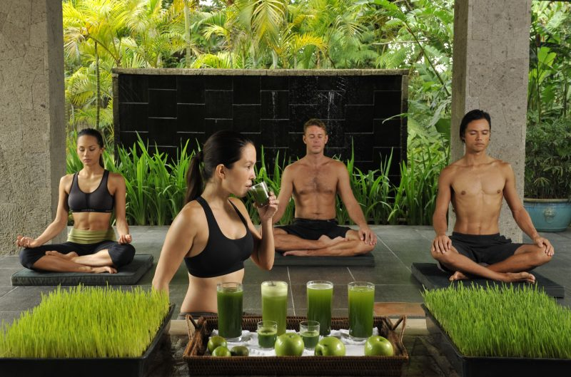 wheatgrass_yoga