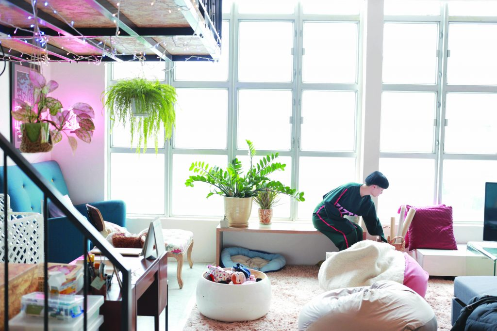 A colourful and bright studio apartment in Hong Kong.