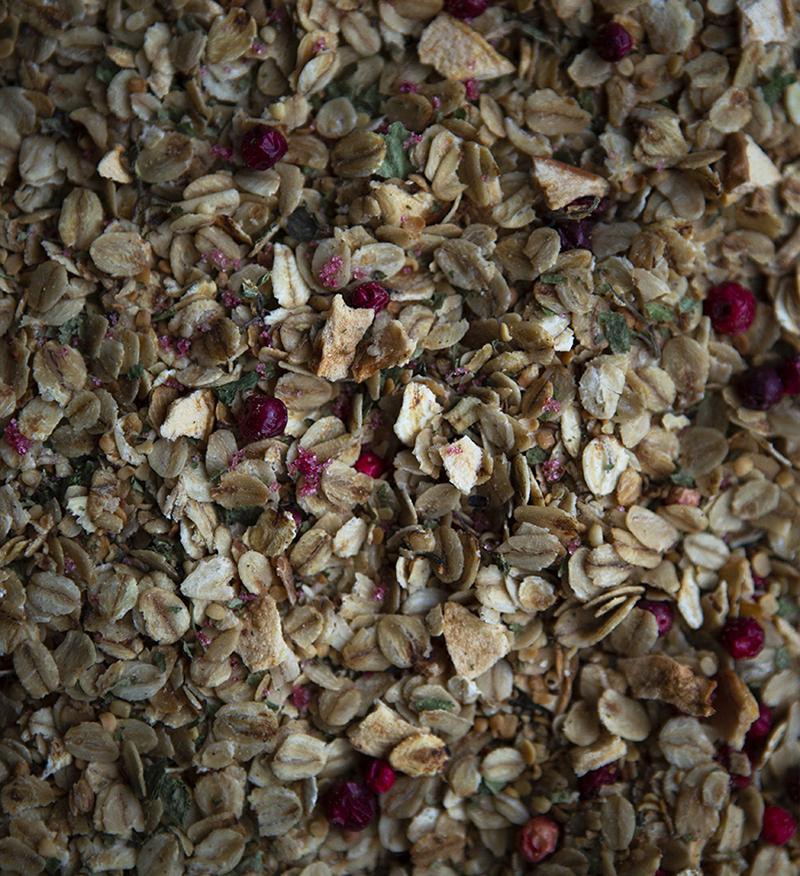 A close-up of sugar free granola, a healthy recipe from Metta Nordic.